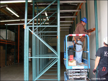 Drive-In-Pallet-Rack-Installation-001-LG